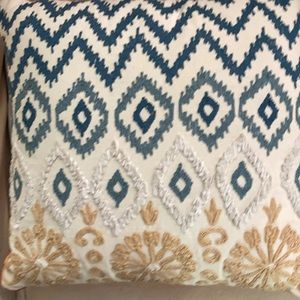 Pier 1 pillows PAIR w/ inserts  17 in sq